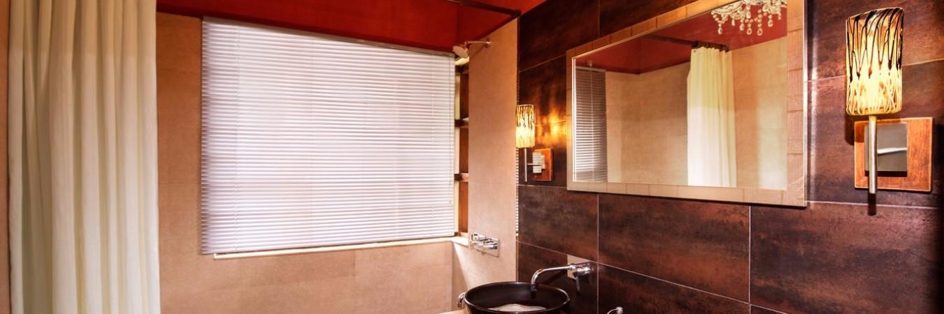 Bathroom-1350x450_c-1